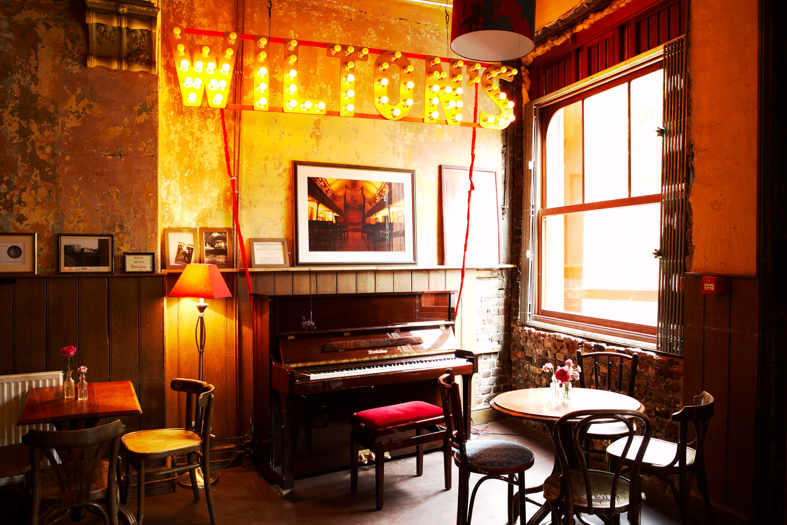 Wiltons - The Mahogany Bar - credit_James_Perry(2)