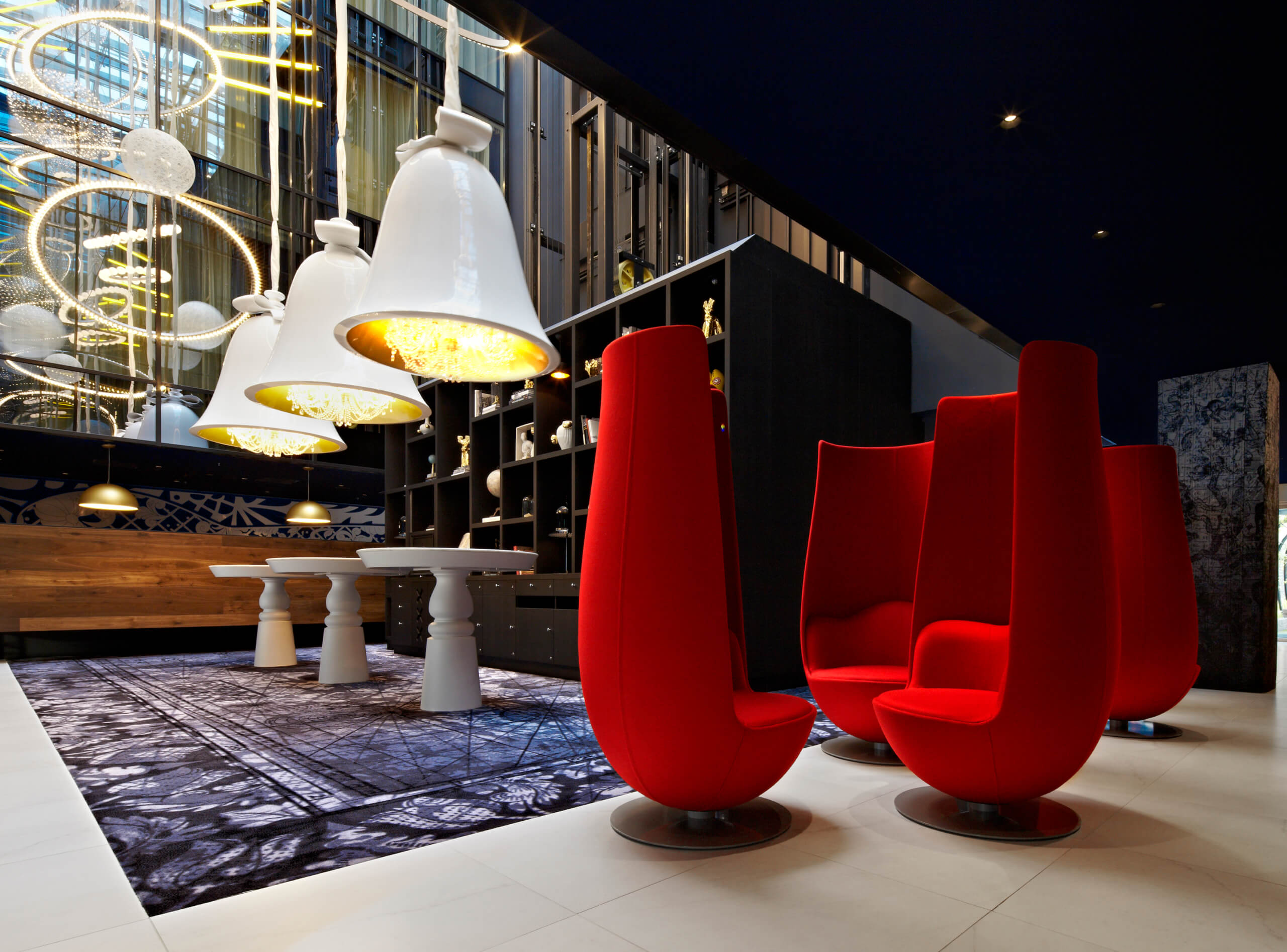 andaz, andaz hotel, amsterdam, high end, expensive, quirky, fun, cool, bedroom, suite, fish, wanders, lobby