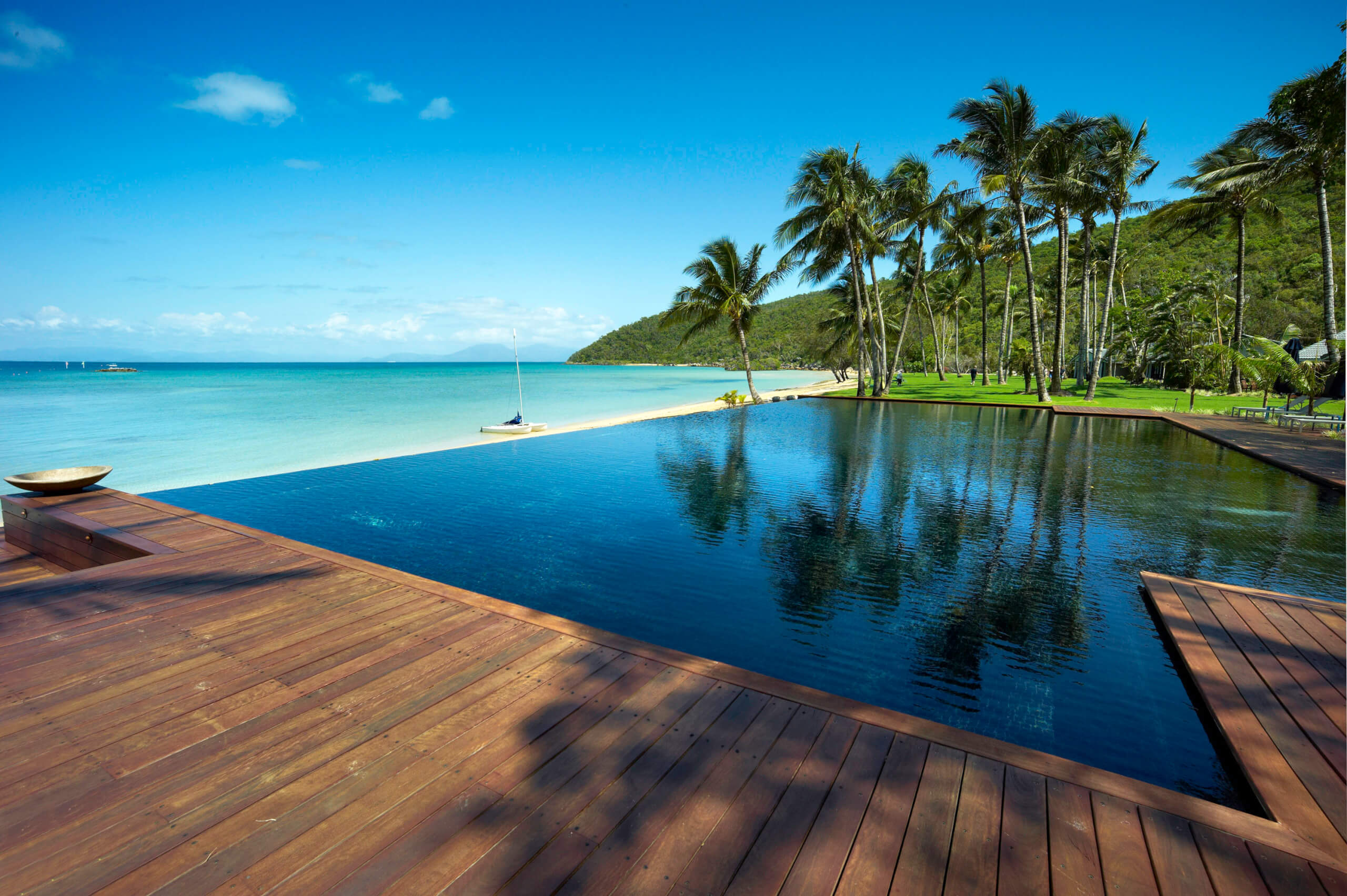 To the world 39 s most amazing infinity pools about time for Infinity swimming pools pictures