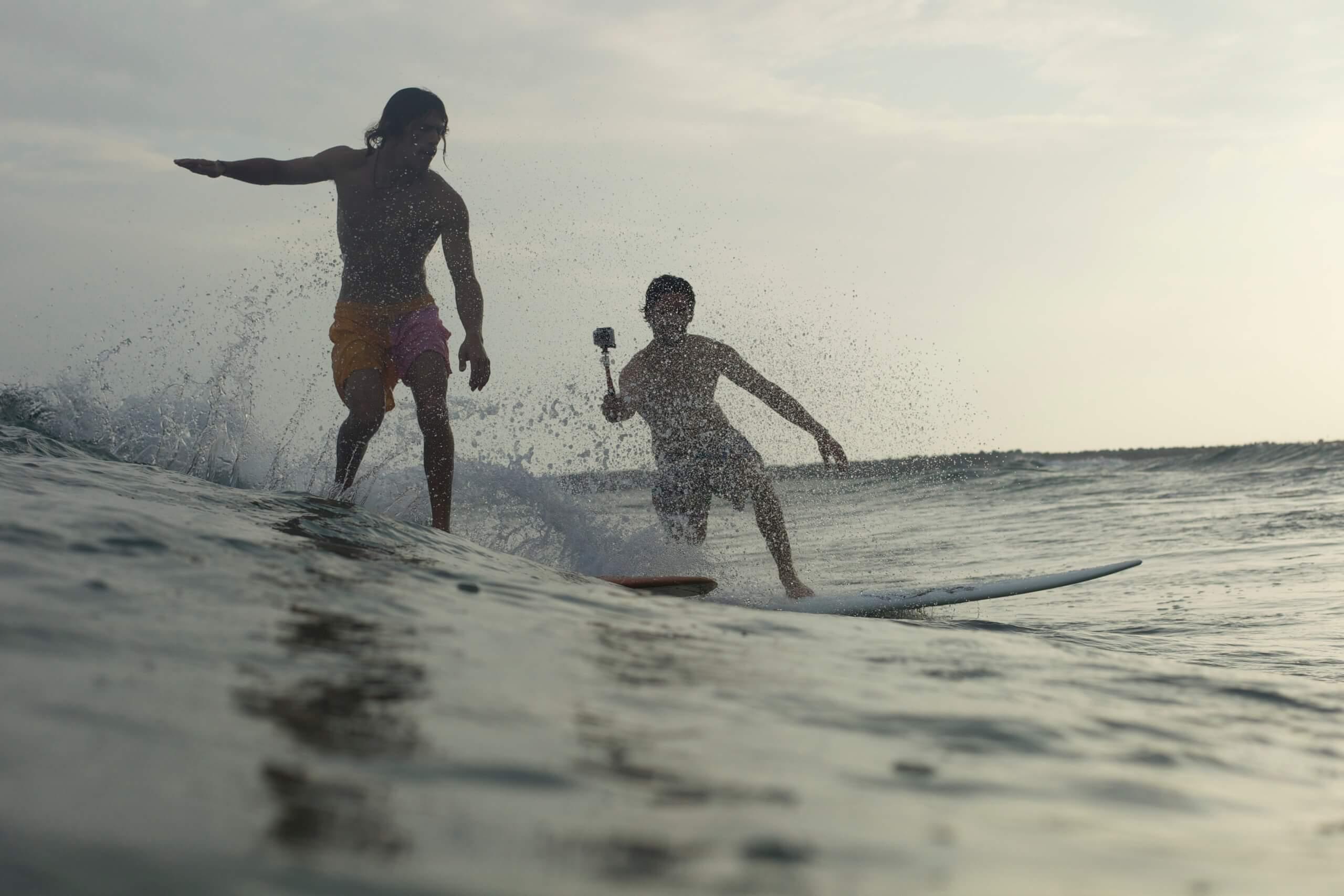 USH_Surf follow2