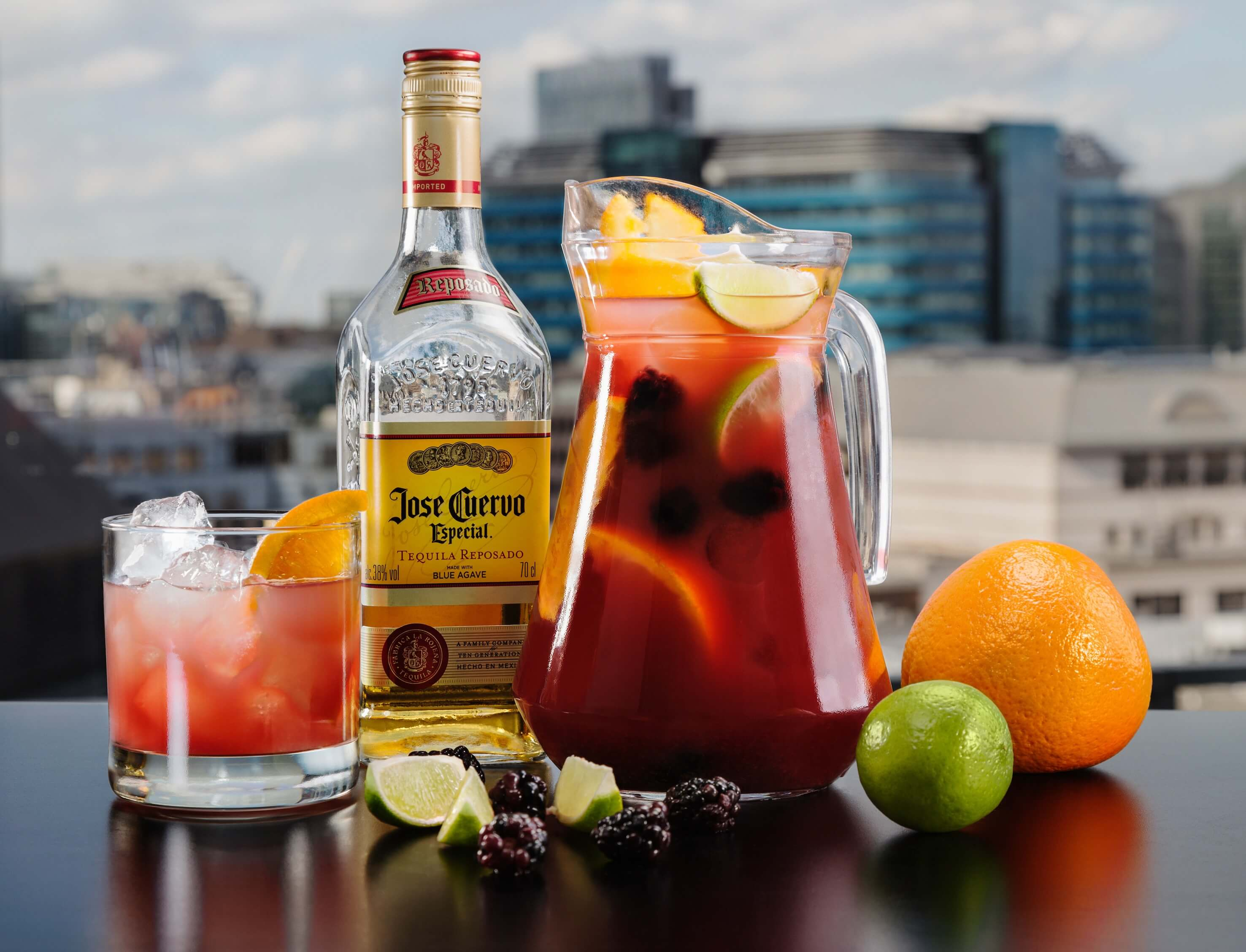 Cuervo's Cantina at Skylounge, skylounge, hilton, doubletree, tower hill, city, canary wharf, new bar, mexican, pop-up, new, margarita, frozen margarita, mexican mule, cocktails, spirits, fun, young, exciting, views, london, bars, drinks, drinking, alcohol, top 5, unusual, quirky, london, booze, food, small plates, pitchers, sangria