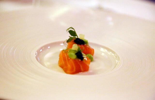 Geneva, Switzerland, le cigogne, hotel, 4*, 5*, fine dining, gourmet, gastronomic, gordon ramsay, white wine, pinot noir, chardonnay, champagne, wine, salmon, caviar, sashimi, raw, fresh, fish
