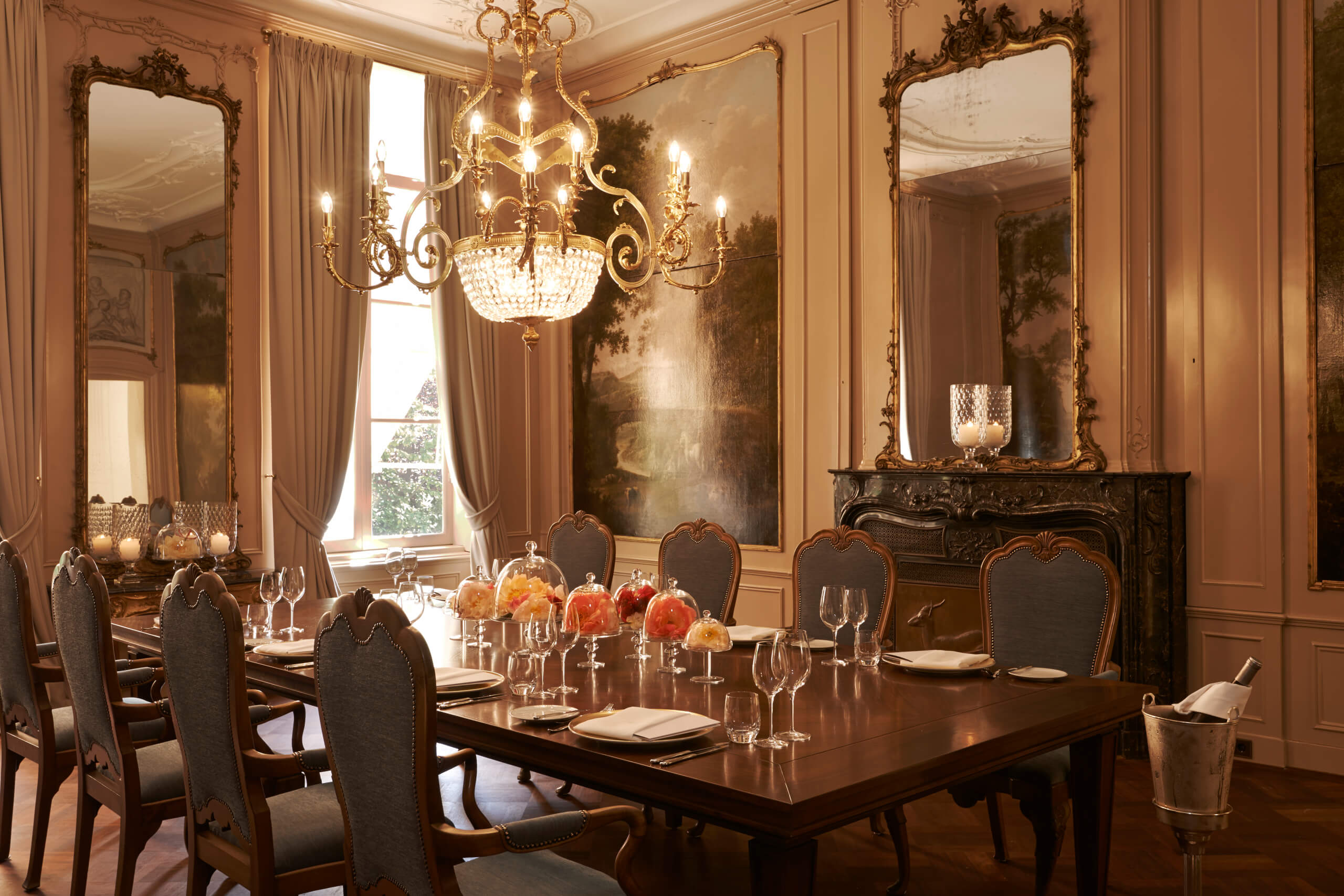 Stay here waldorf astoria amsterdam about time magazine for Living room restaurants amsterdam