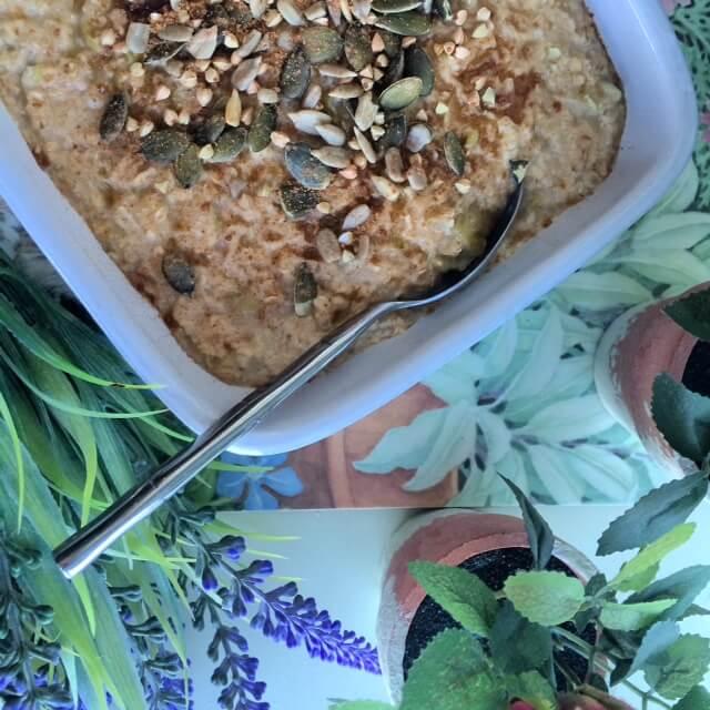baked apple, spiced porridge, Winter Porridge Recipes, porridge recipes, breakfast recipes, healthy recipes, brunch recipes, healthy breakfast, oatmeal