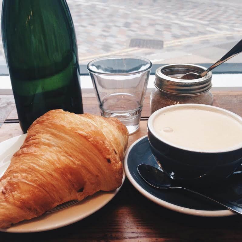 Almond Milk Latte London, dairy free, vegan , vegan london, dairy free milk, almond milk latte, best coffee in london, coffee london, coffee shops london, soya lattes, vegan lattes