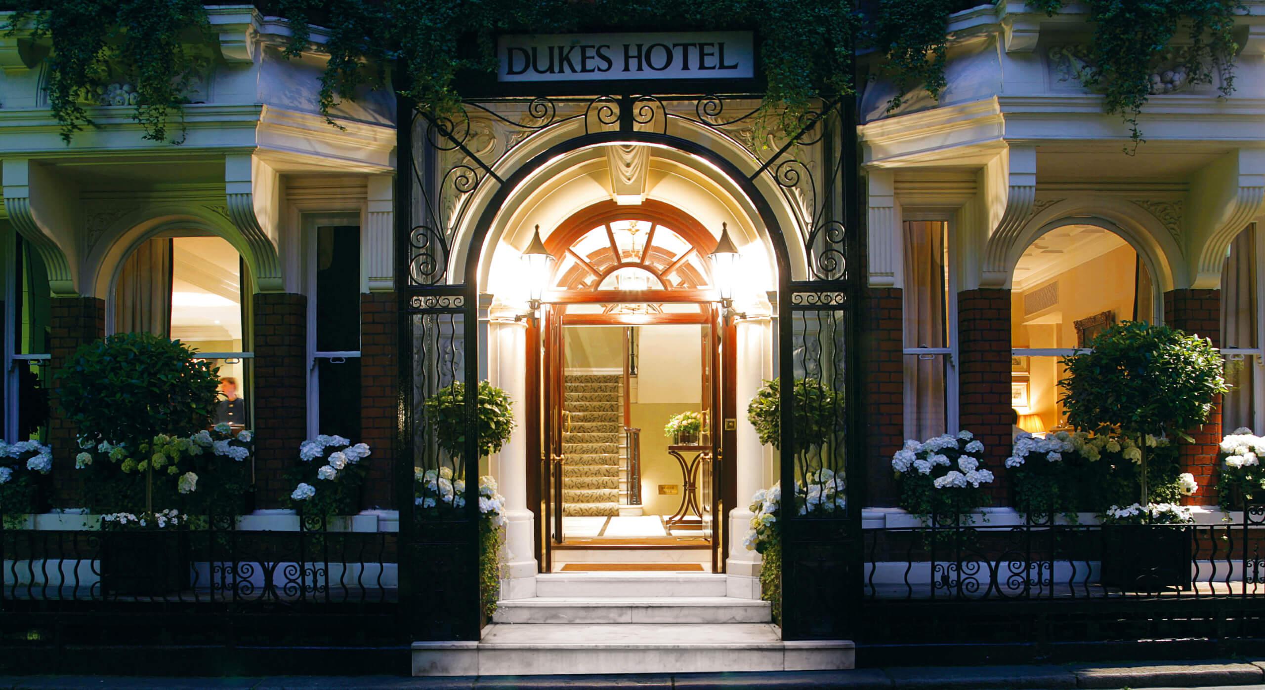 dukes hotel london, bloomsbury hotel london, boutique hotels london, best hotels in london, bloomsbury hotel, where to stay in london, Dukes Hotel, dukes hotel mayfair, hotels in london,