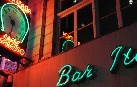 soho-neon-street-199