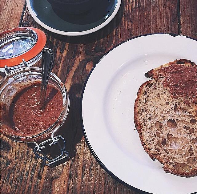 nut butter, nut butters, nut butter on toast, nut butters, nutty toast, health food, healthy london, healthy restaurants in london, healthy cafes in London