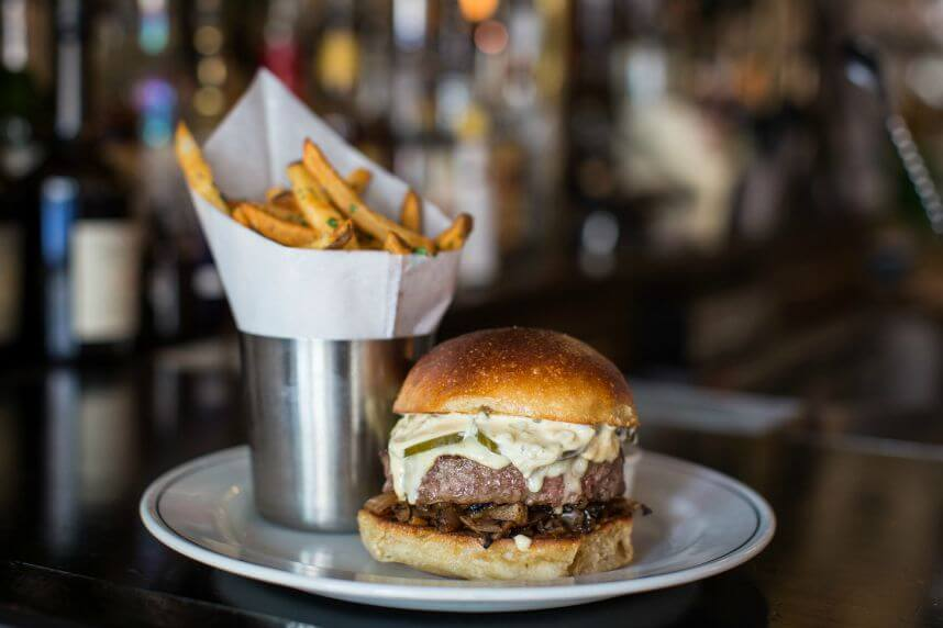 burger-Montmartre-Raclette Burger_Henry Hargreaves