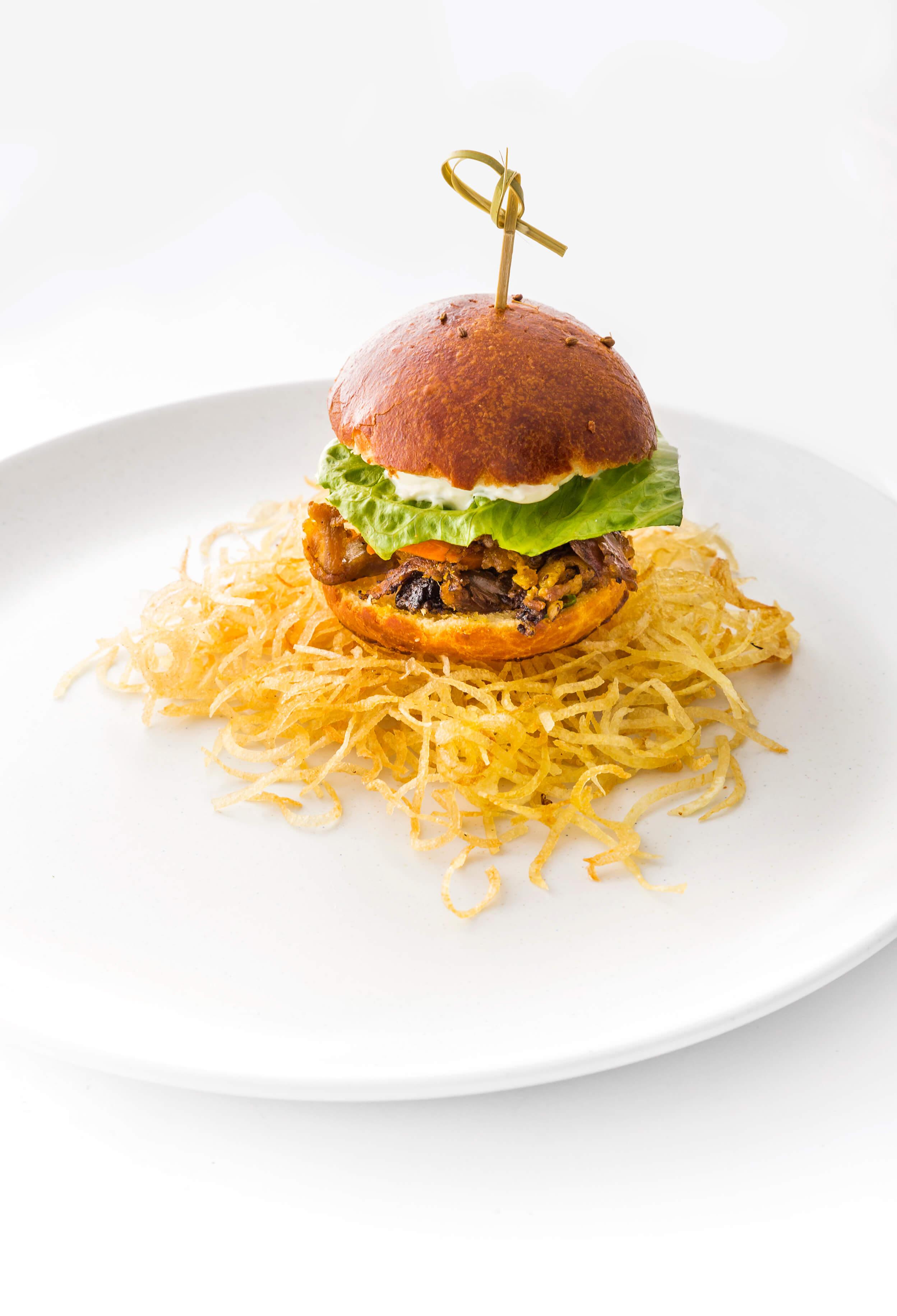 Top 5 Ways To Brunch In London This Weekend Bernardi Burger Two Go Beef Lima Floral Andean Breakfast Suckling Pig Brioche Bun