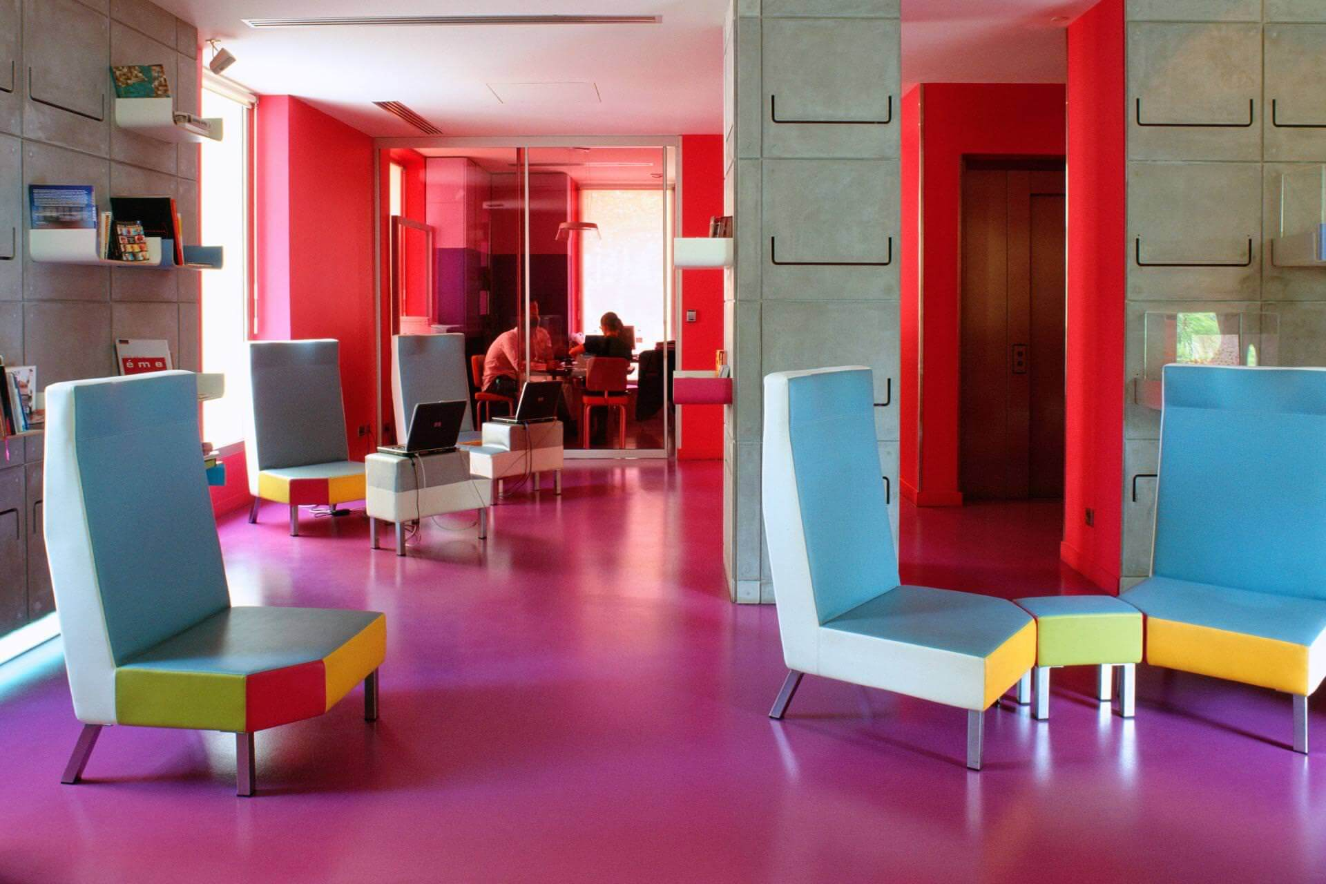 boutique-hotel-Hi-Hotel-Eco-Spa-Beach-Nice-Lobby-16-3-2