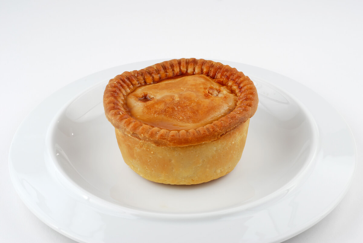 Pork_pie_on_plate