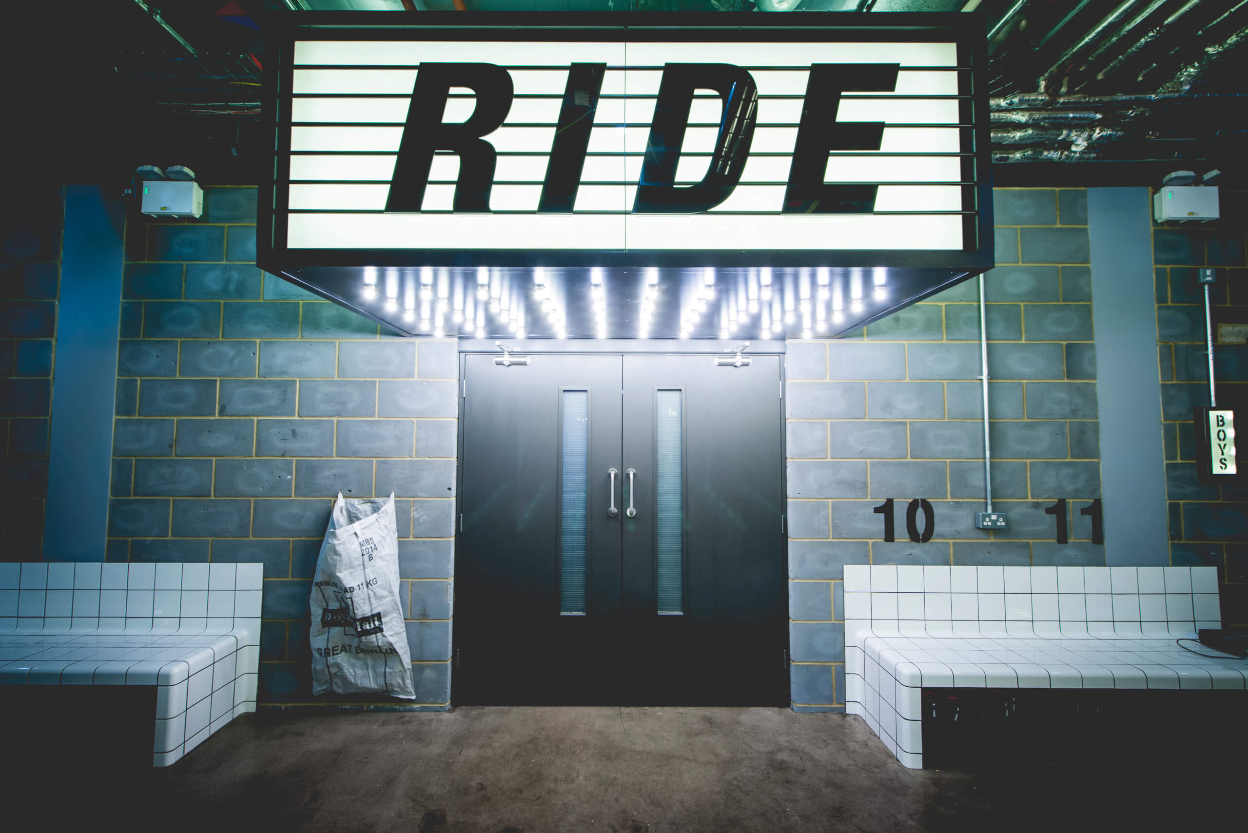 1R Ride studio sign