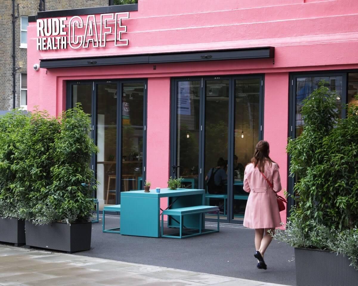 Pink coat & cafe