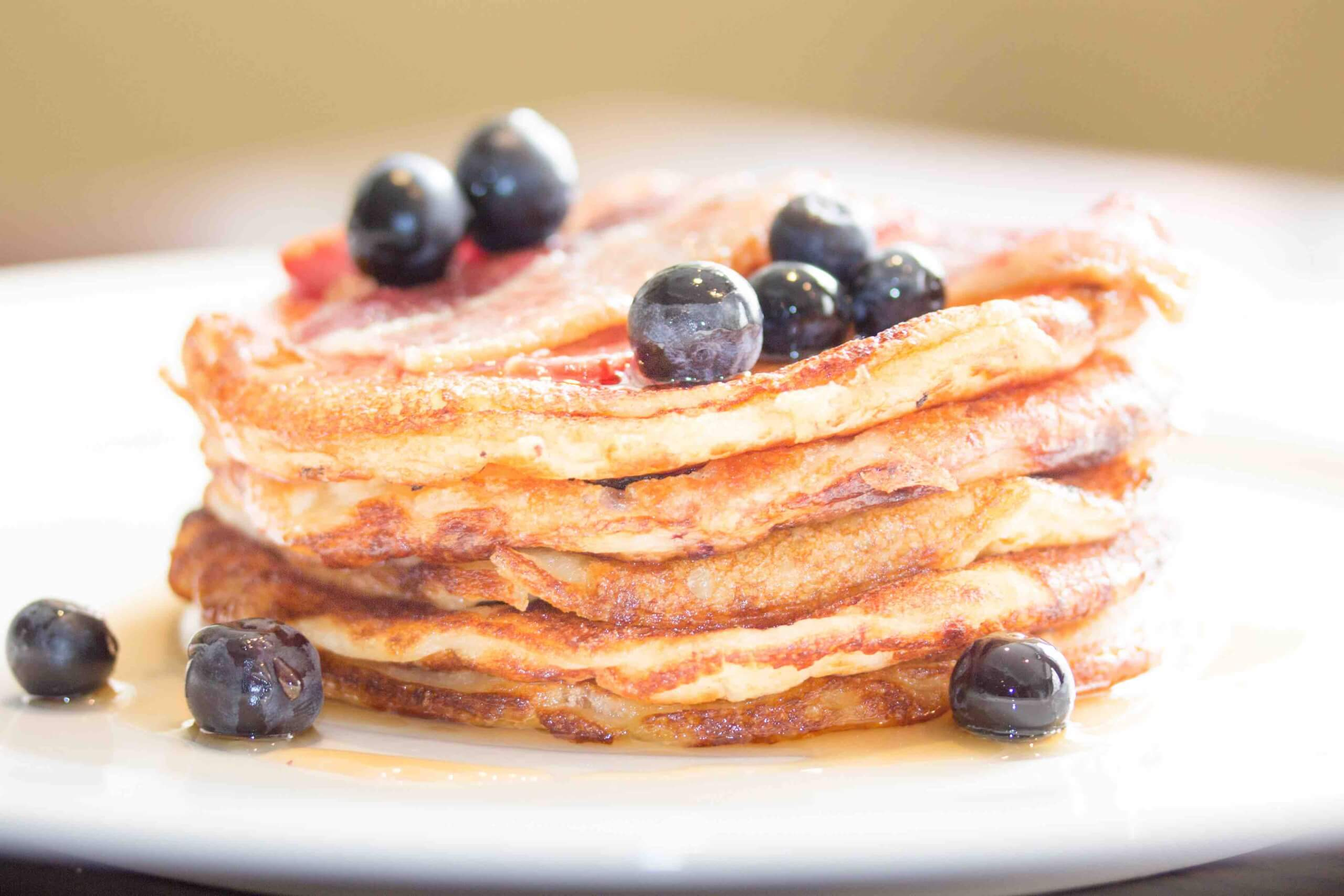 buttermilk-pancakes-maple-syrup