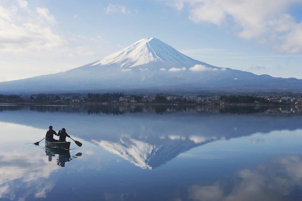 HOSHINOYA Fuji Activity Morning Canoe